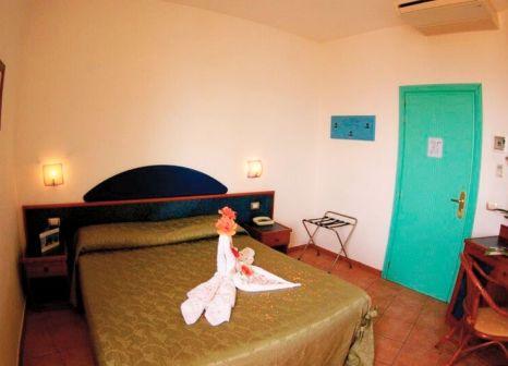 Hotelzimmer mit Volleyball im Residence Sciaron