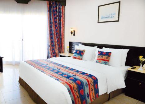 Hotelzimmer mit Volleyball im LABRANDA Club Makadi