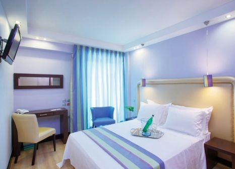 Hotelzimmer mit Kinderpool im Olympic Palladium