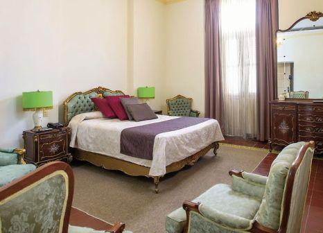 Hotelzimmer mit Whirlpool im Hotel Inglaterra