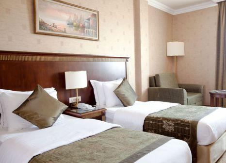 Hotelzimmer mit Hochstuhl im Oran