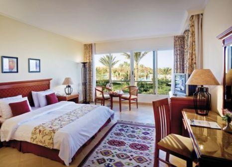 Hotelzimmer im Amwaj Oyoun Resort & Spa günstig bei weg.de