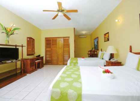 Hotelzimmer mit Tischtennis im Merril's Beach Resort
