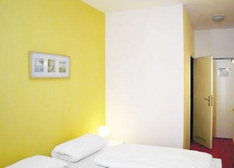 Hotelzimmer mit Tischtennis im a&o Köln Neumarkt