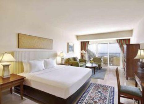 Hotelzimmer mit Tischtennis im Hilton Sharm Waterfalls Resort