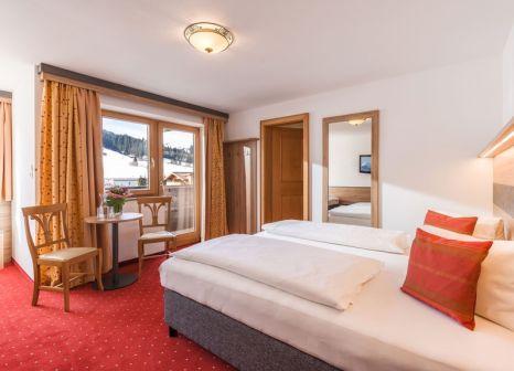 Hotelzimmer mit Mountainbike im Lifthotel