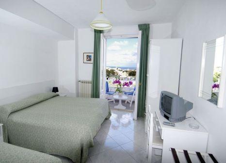 Hotelzimmer mit Sandstrand im Hotel Terme Colella