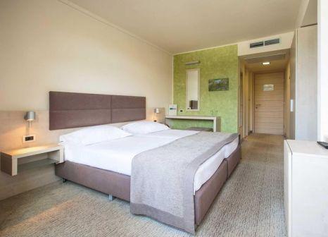 Hotelzimmer mit Minigolf im Hotel Mediteran Plava Laguna