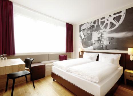 Hotelzimmer mit Aerobic im Vienna House Easy München