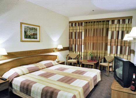 Hotelzimmer mit Pool im Ambassador