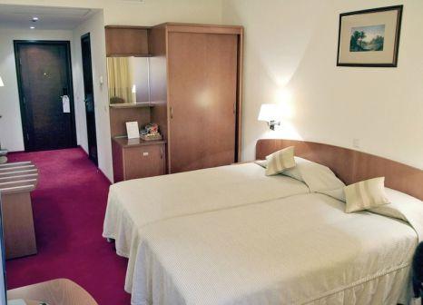 Hotelzimmer mit Hallenbad im Ambassador