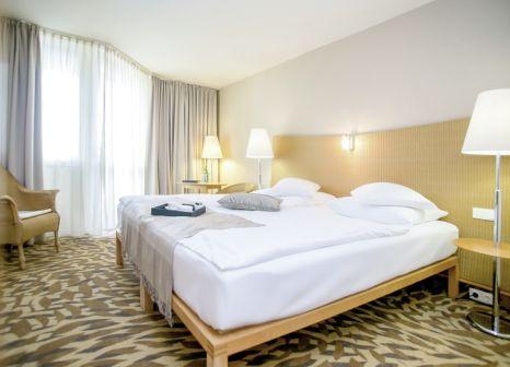 Hotelzimmer mit Yoga im Lotus Therme Hotel & Spa
