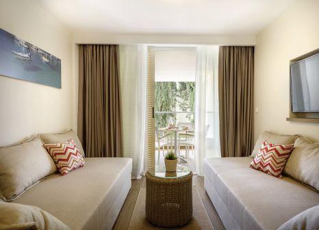 Hotelzimmer mit Mountainbike im Valamar Girandella - Family Hotel