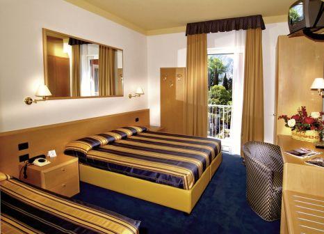 Hotelzimmer mit Tischtennis im Brione