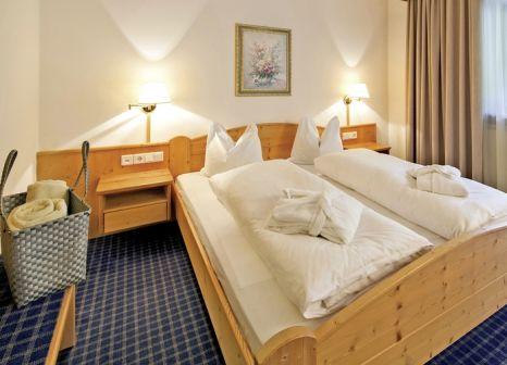Hotelzimmer mit Tischtennis im Panorama Wellness Hotel Feldthurnerhof