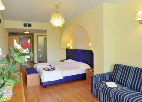 Hotelzimmer mit Tennis im Hotel Alexander Limone