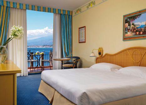 Hotelzimmer mit Tischtennis im UNAHOTELS Capotaormina