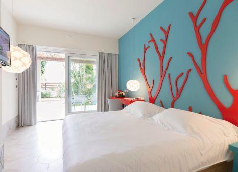 Hotelzimmer mit Volleyball im Baia Del Sole Resort