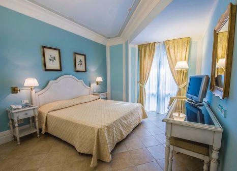 Hotelzimmer mit Pool im Villa Daphne