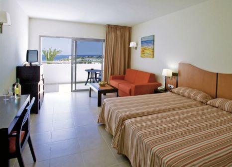 Hotelzimmer mit Mountainbike im Lanzarote Village