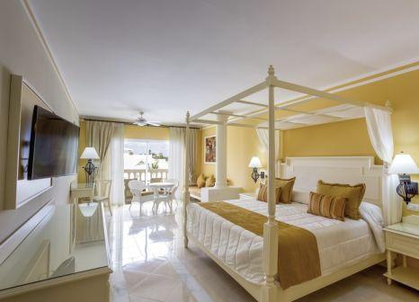 Hotelzimmer mit Volleyball im Bahia Principe Luxury Bouganville