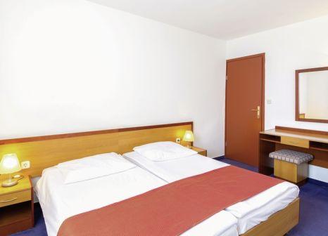 Hotelzimmer mit Minigolf im Holiday Village Sagitta