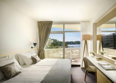 Hotelzimmer mit Mountainbike im Remisens Hotel Albatros