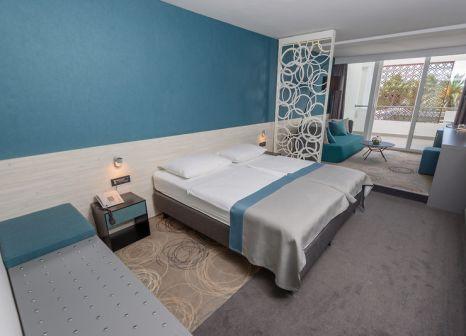 Hotelzimmer mit Volleyball im Hotel Kolovare