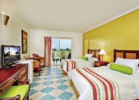 Hotelzimmer mit Mountainbike im Royal Decameron Panama