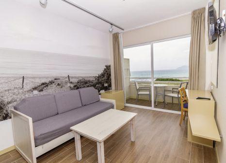 Hotelzimmer mit Mountainbike im Aparthotel Eix Platja Daurada