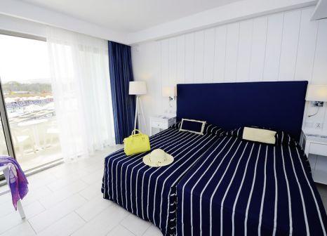 Hotelzimmer mit Mountainbike im db Seabank Resort & Spa