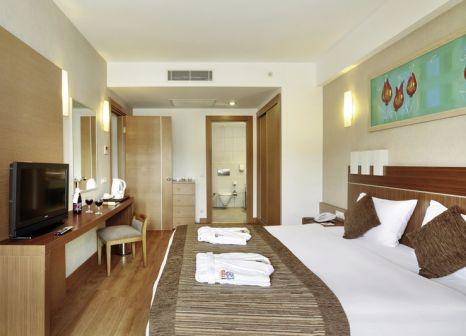 Hotelzimmer mit Volleyball im Sunis Hotels Kumköy Beach Resort Hotel & Spa