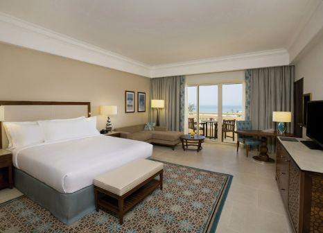 Hotelzimmer mit Golf im Hilton Al Hamra Beach & Golf Resort