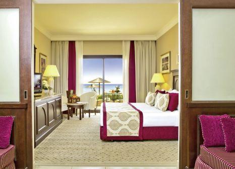 Hotelzimmer mit Volleyball im Iberotel Miramar Al Aqah Beach Resort