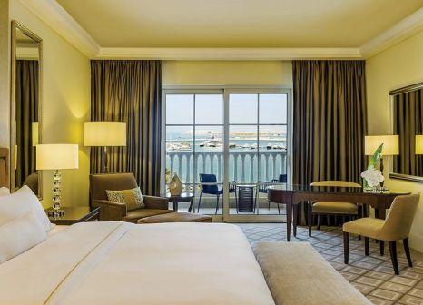 Hotelzimmer mit Yoga im The Westin Dubai Mina Seyahi Beach Resort & Marina