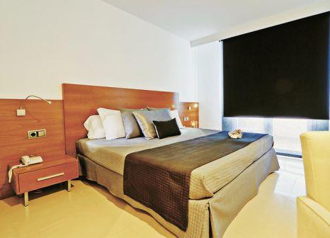 Hotelzimmer mit Paddeln im Hotel Tahiti