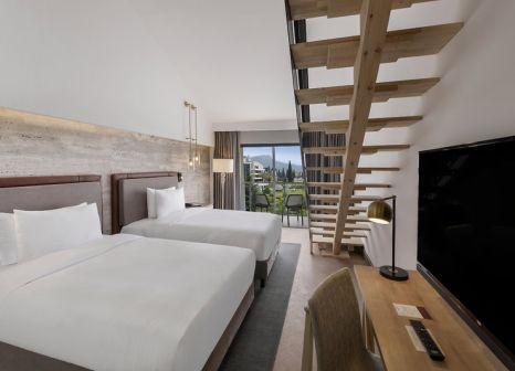 Hotelzimmer mit Yoga im DoubleTree by Hilton Antalya-Kemer