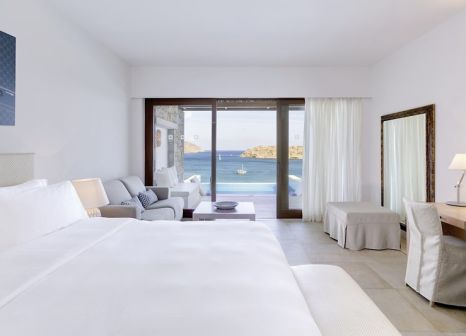 Hotelzimmer mit Mountainbike im Blue Palace, a Luxury Collection Resort and Spa, Crete