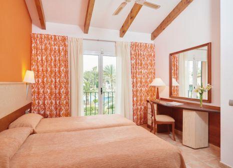 Hotelzimmer mit Yoga im Blau Colonia Sant Jordi Resort & Spa