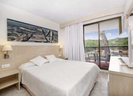 Hotelzimmer mit Tischtennis im Olé Galeón Ibiza