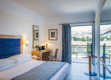 Hotelzimmer mit Volleyball im Mitsis Lindos Memories Resort & Spa