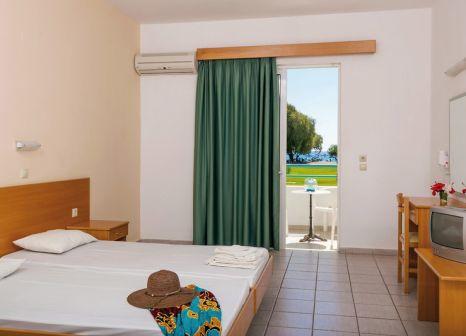 Hotelzimmer mit Mountainbike im Stafilia Beach