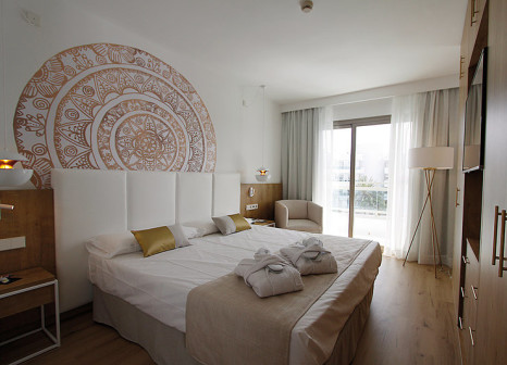 Hotelzimmer mit Mountainbike im Hotel Rei del Mediterrani Palace