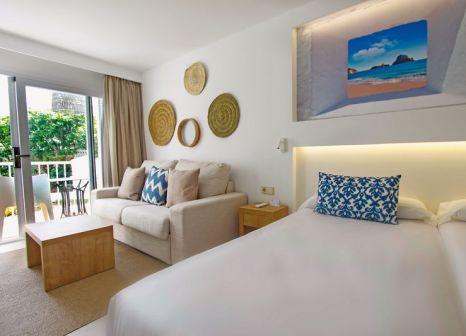 Hotelzimmer mit Mountainbike im Portinatx Beach Club Hotel