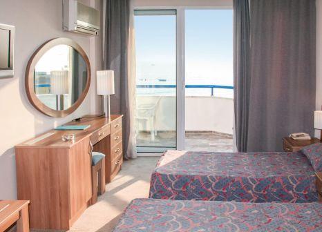 Hotelzimmer mit Tischtennis im Elysee Beach Hotel