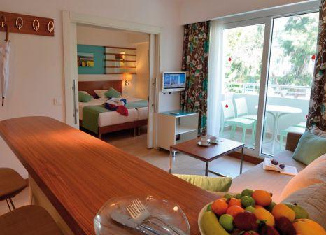 Hotelzimmer mit Volleyball im Side Resort