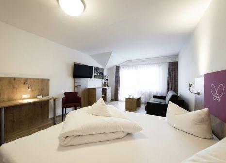 Hotelzimmer mit Tischtennis im Alpin
