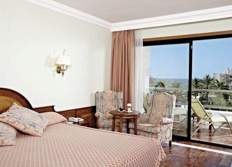 Hotelzimmer mit Tischtennis im Serrano Palace