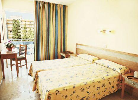 Hotelzimmer mit Tischtennis im azuLine Hotel Pacific