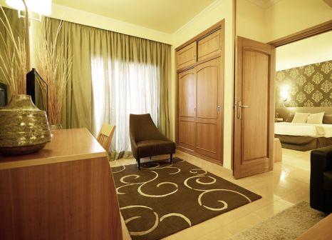 Hotelzimmer mit Volleyball im Invisa Hotel La Cala